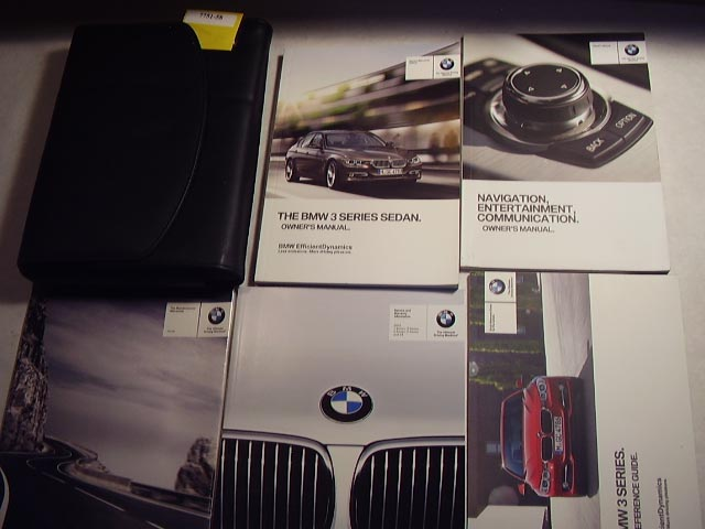 2013 BMW 3 Series Sedan with navigation guide