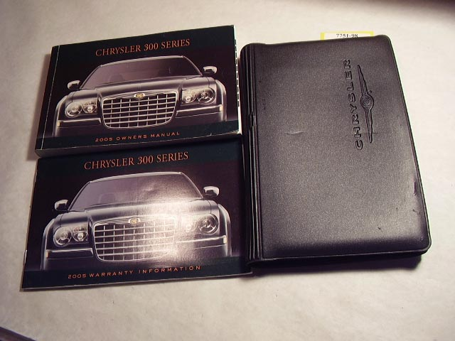 2005 Chrysler 300 Owners Manual